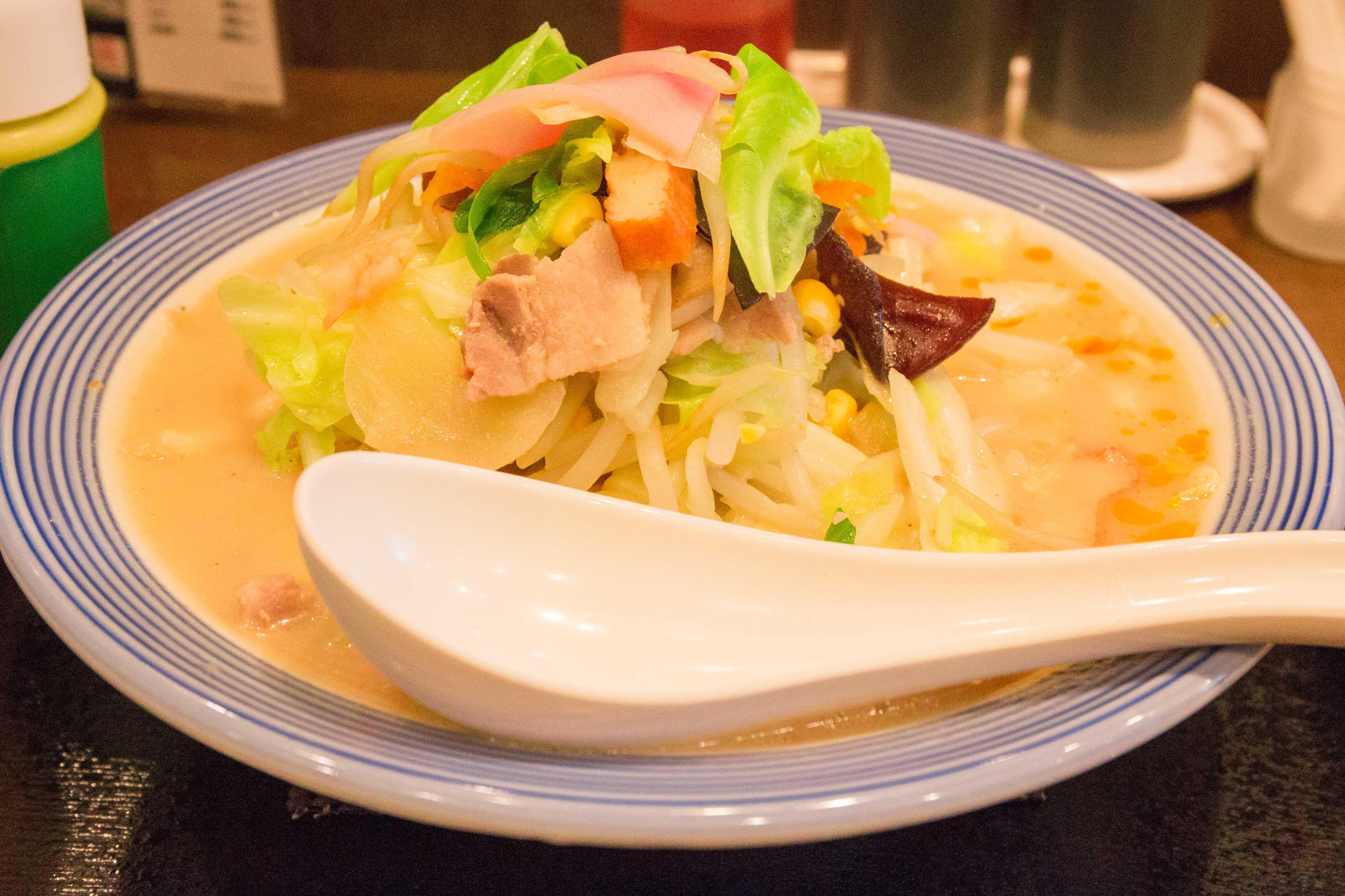 野菜不足解消 リンガーハットの「野菜たっぷりちゃんぽん」。480gの野菜が食べられる。