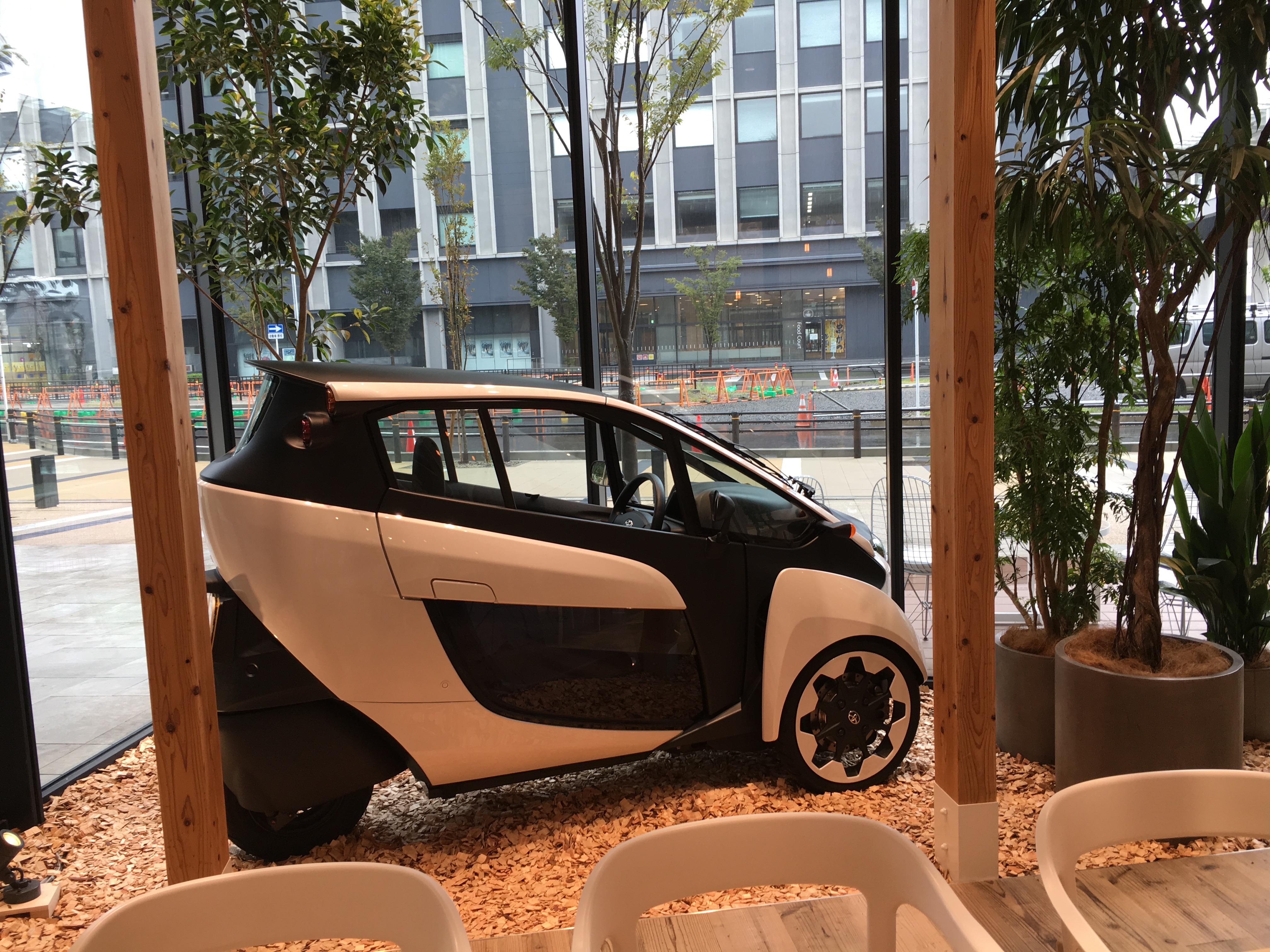 名古屋 ささしま グローバルゲートのトヨタプロデュースのカフェ「DRIVE TO GO」