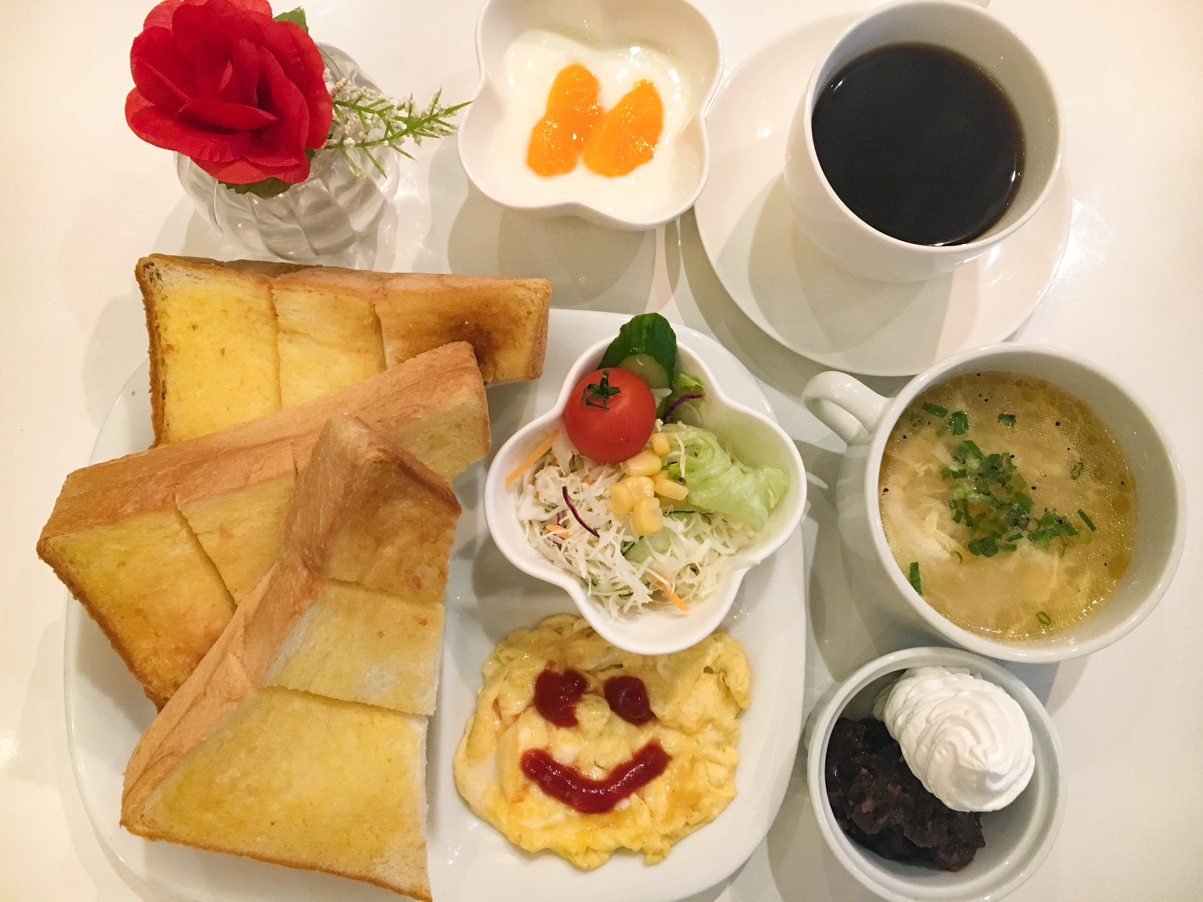 【名古屋・名古屋駅 人気のカフェ「食パン枚数制限なし」の名古屋モーニングが絶品のパイナップルミント】