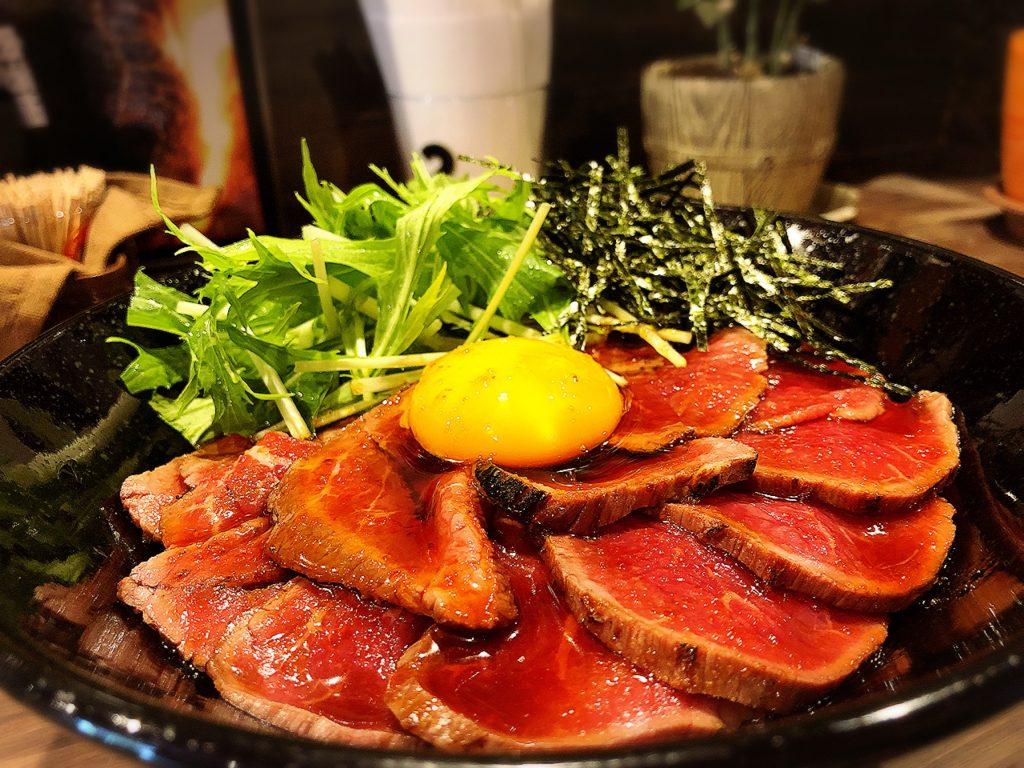 キャメルダイナーのローストビーフ丼