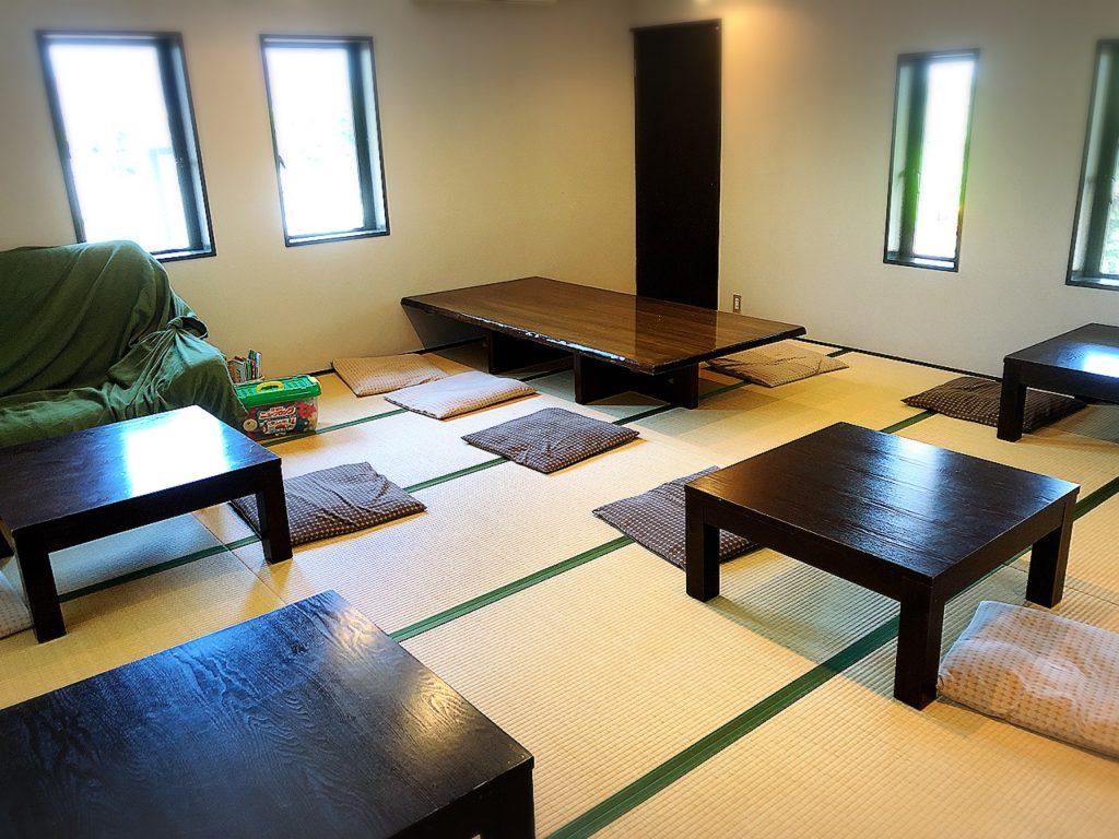 夢助だんご(米の菓ゆめすけ)の2階イートインスペース(座敷)