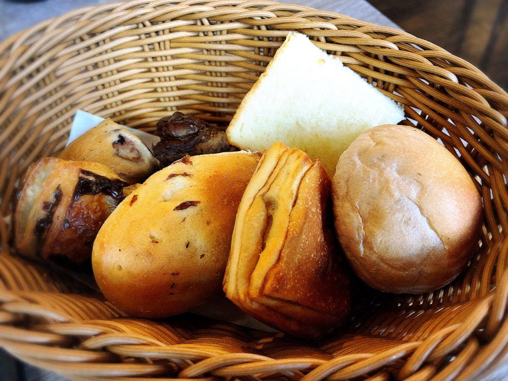 ベーカリーカフェラルジュのパン食べ放題