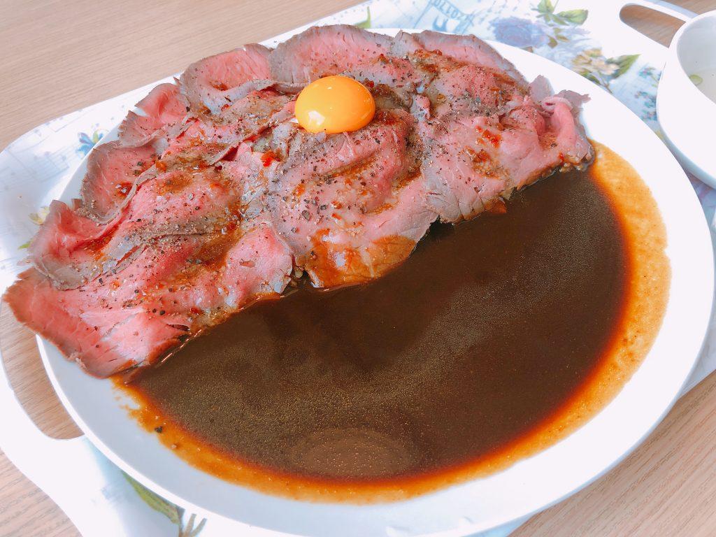 炉窯炭焼 肉バル ローツェのローストビーフカレー