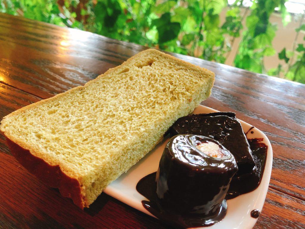 サニーオーチャード栄の食パンとチョレートフォンデュバナナ