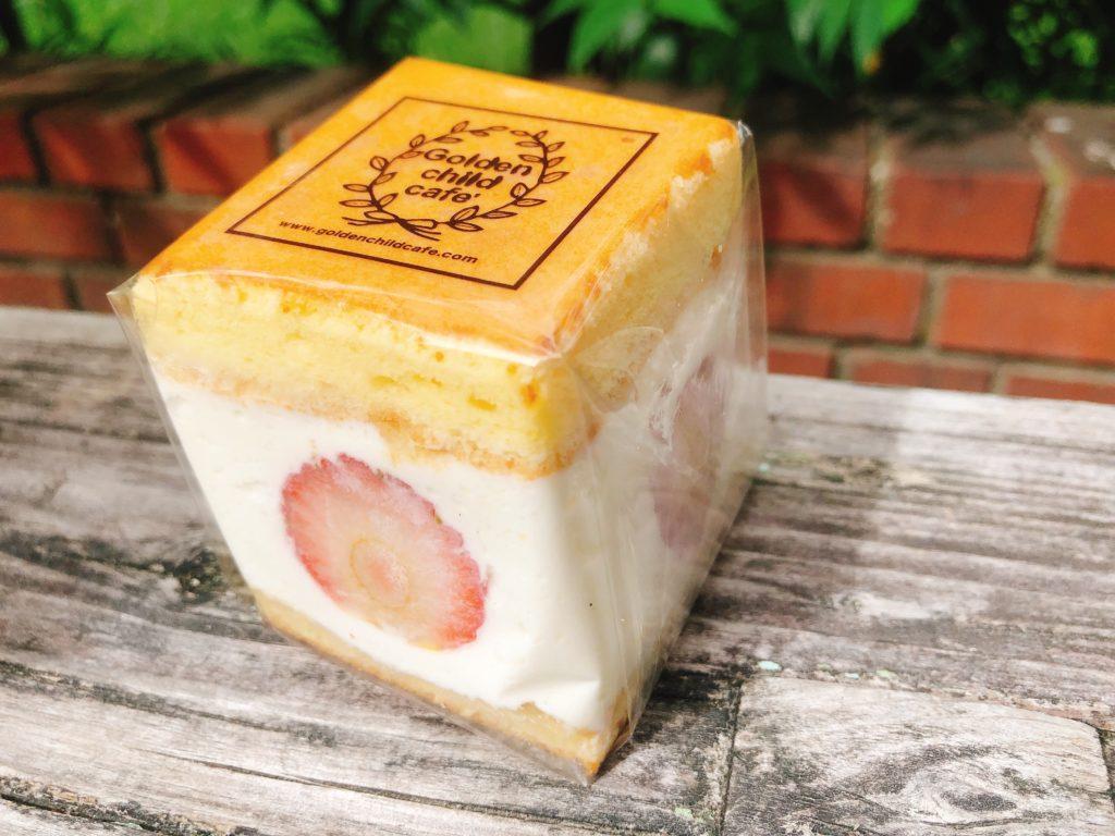 ゴルチャのフルーツサンド「cream box」のいちご(1個500円)