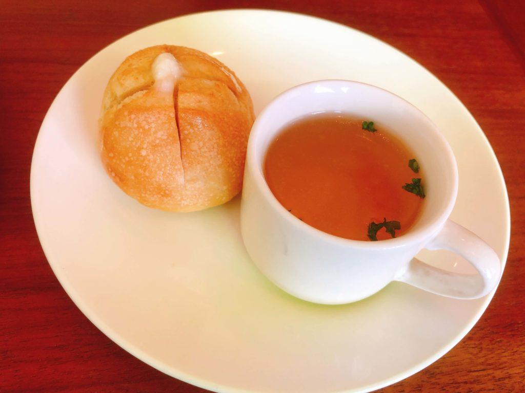 カフェガーデンポットのスープとパン