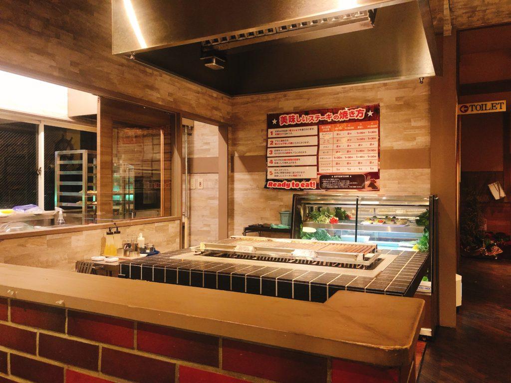 セルフクッキングコーナーのステーキの焼き台