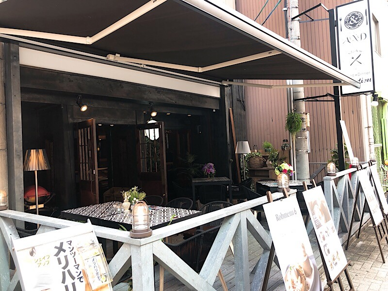 カフェロブ(caferob)名古屋駅前店のテラス席