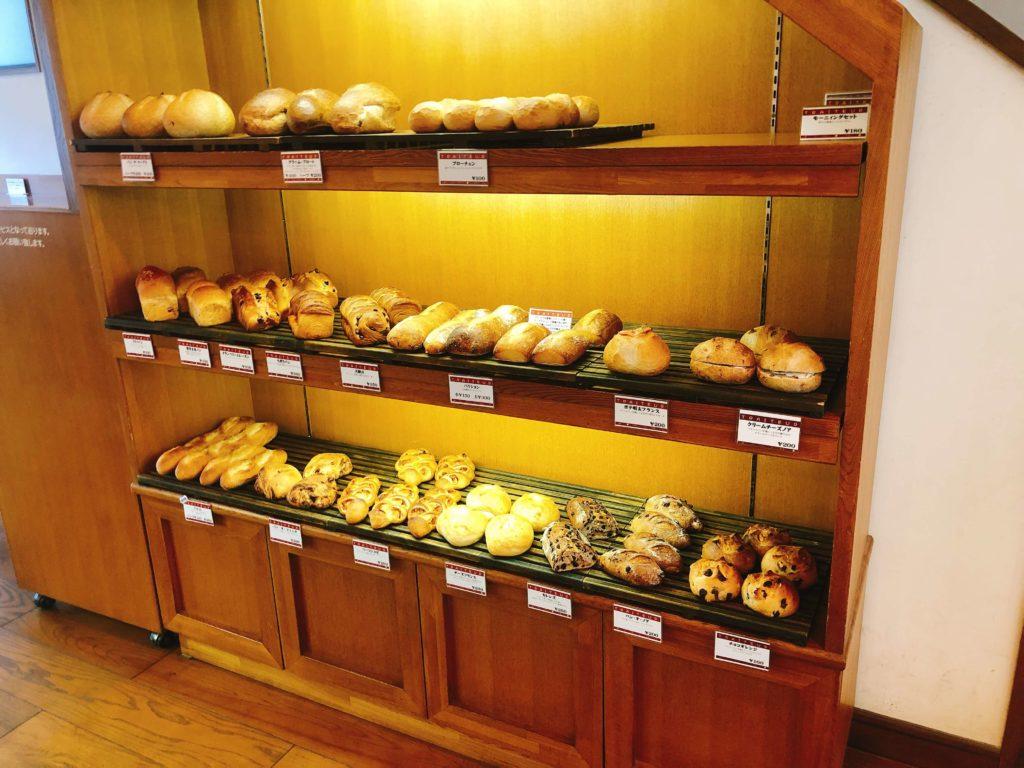 トレトゥールのパンの売り場