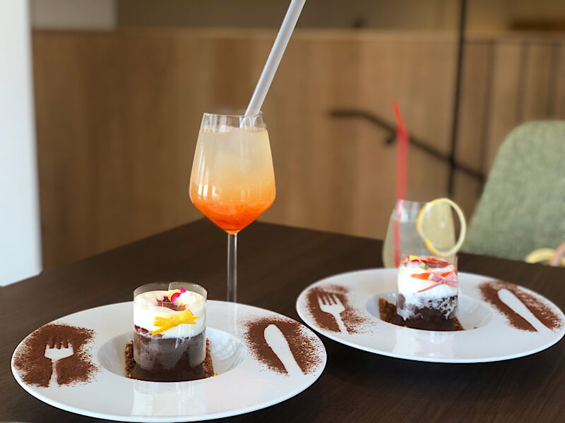 カフェリエッコのいちごとチョコのフォンダンショコラ