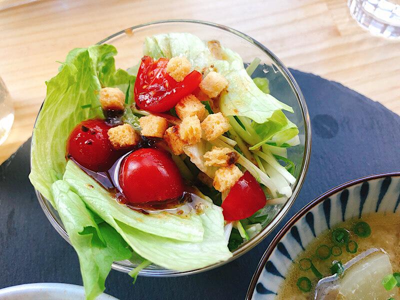 ポークスタンド スリーピッグ のサラダ