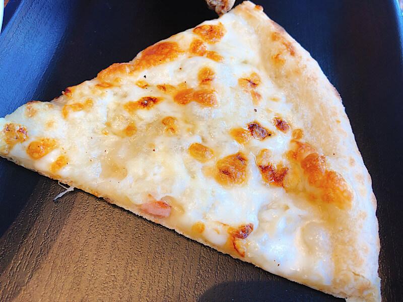 M'sパスタのピザ