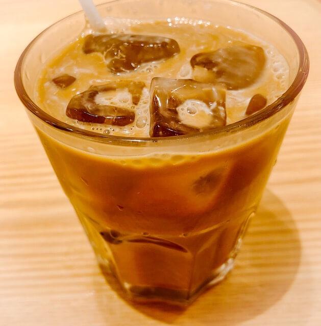 コンパル サンロード店のアイスコーヒー完成