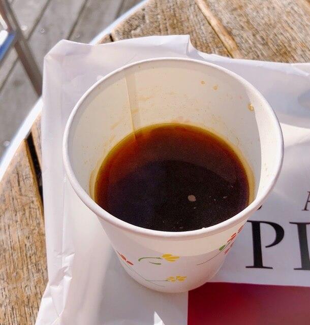 picasso(ピカソ)烏森本店のパンのコーヒー