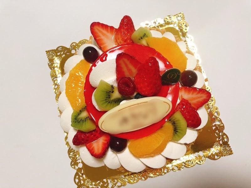 新宿高野のホールケーキ