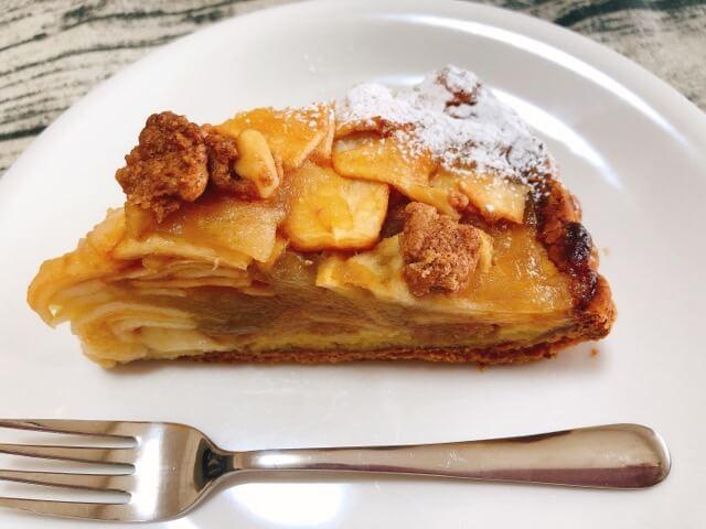 稲沢カフェタナカのアップルパイ