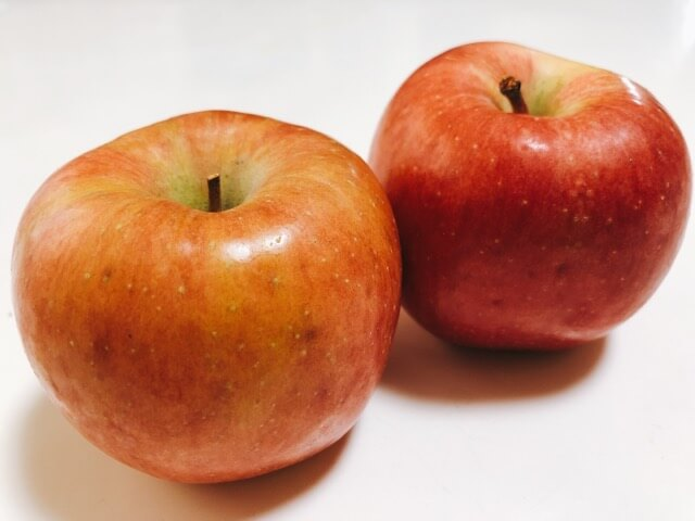 こうとくりんご