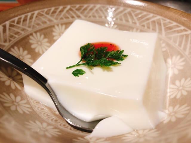 肉卸直送焼肉たいが錦店の杏仁豆腐