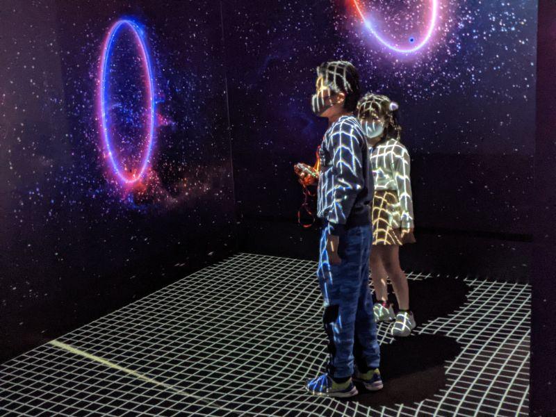 アインシュタイン展 名古屋市科学館 天体になって宇宙を歩こう1