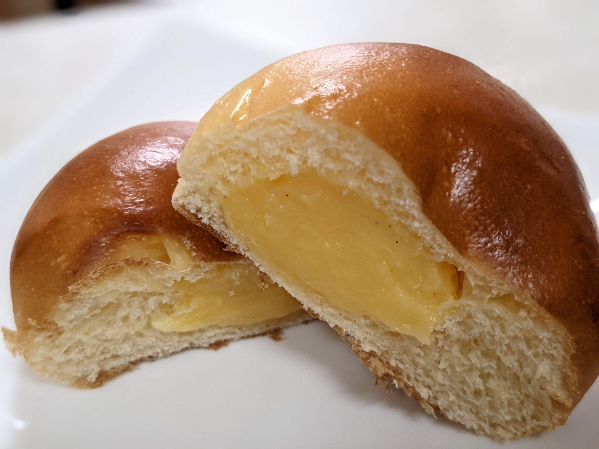 ブーランジェリーリヴィエールのクリームパン