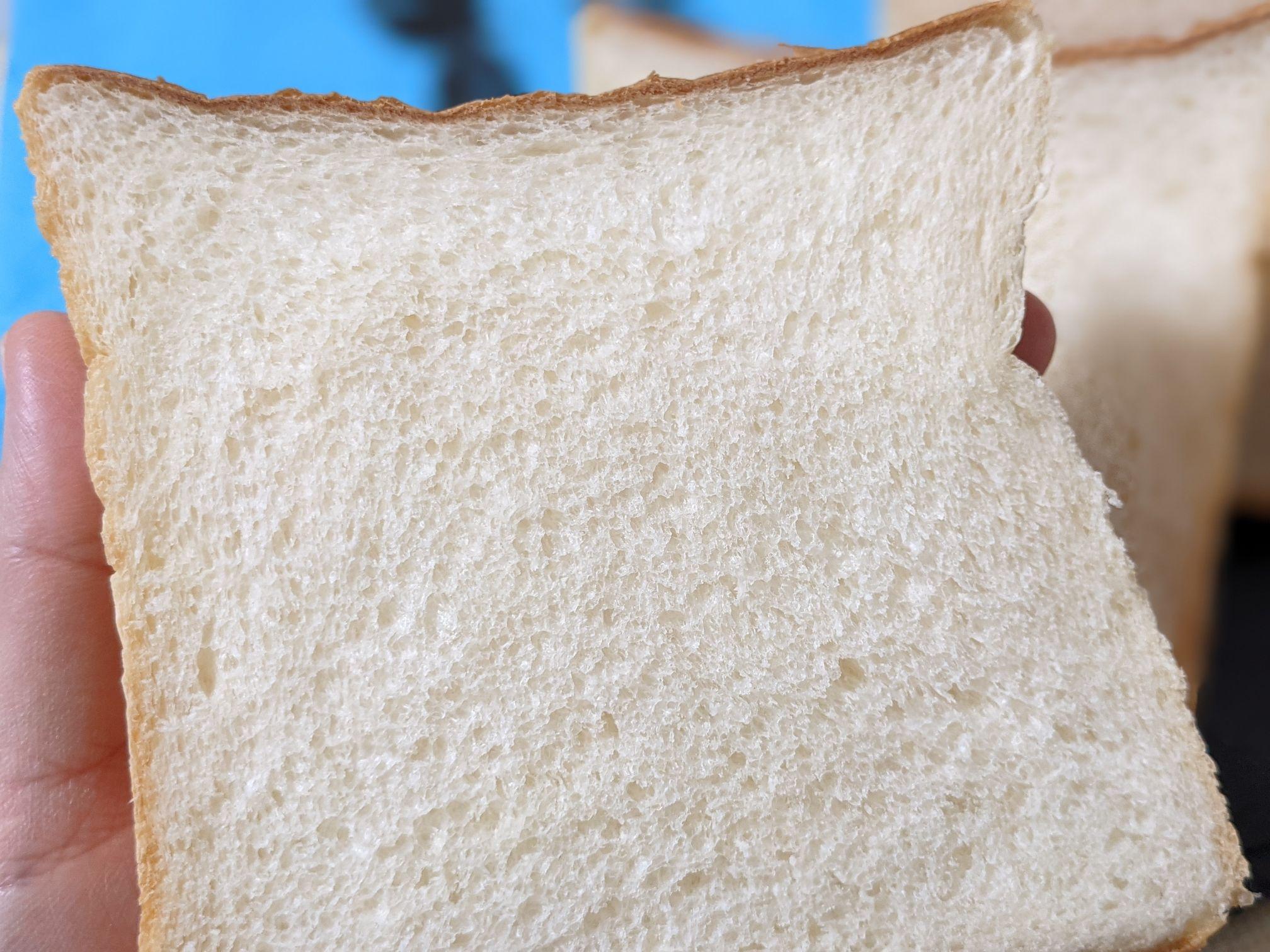 つむぎこむぎの食パン